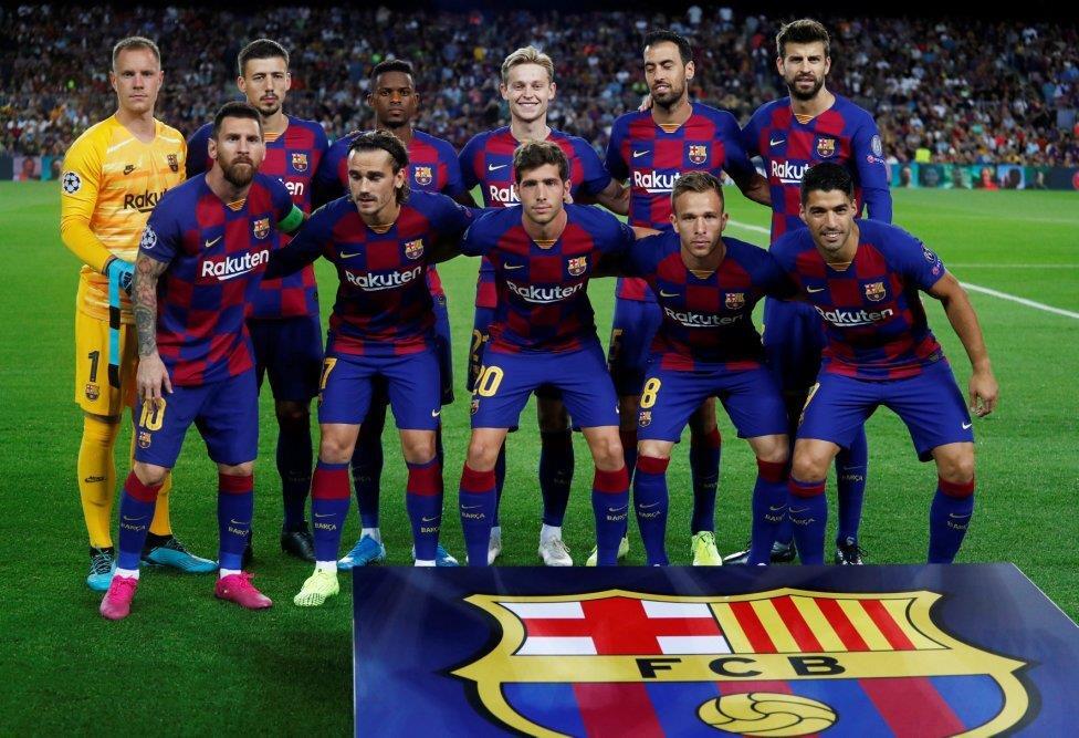 نقد و بررسی کیت اول بارسلونا 2020-2019